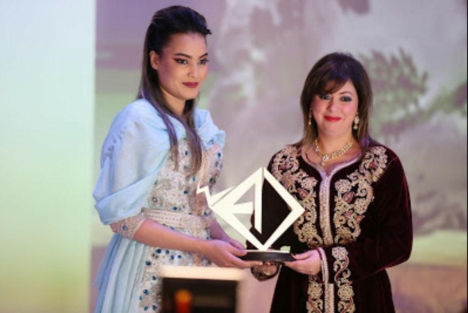 صورة جائزة المواطنة تكرم الشنا وسعيدة شرف والمرحوم الاعلامي نورالدين كرم