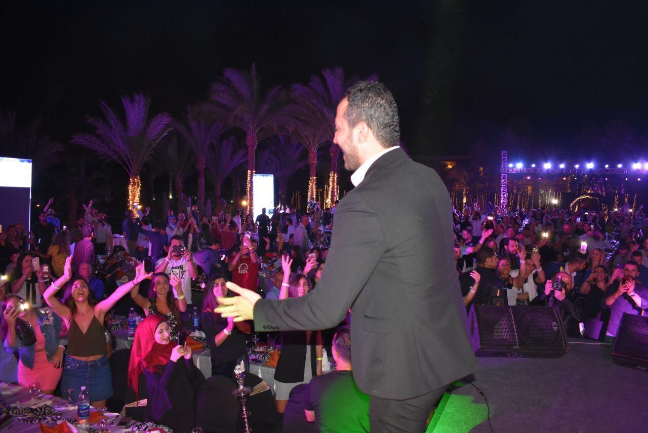 صورة حسين الديك ونجاح منقطع النظير في مصر