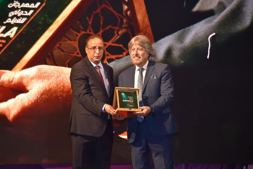صورة تكريم الناقد الاعلامي د. جمال فياض مع انطلاق مهرجان الداخلة السينمائي الدولي