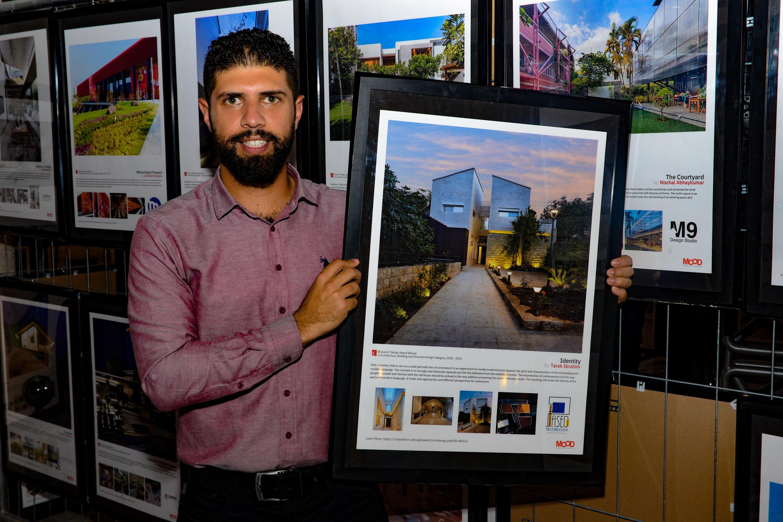 صورة طارق ابراهيم المهندس المعماري اللبناني الفائز بجائزة عالمية بايطاليا