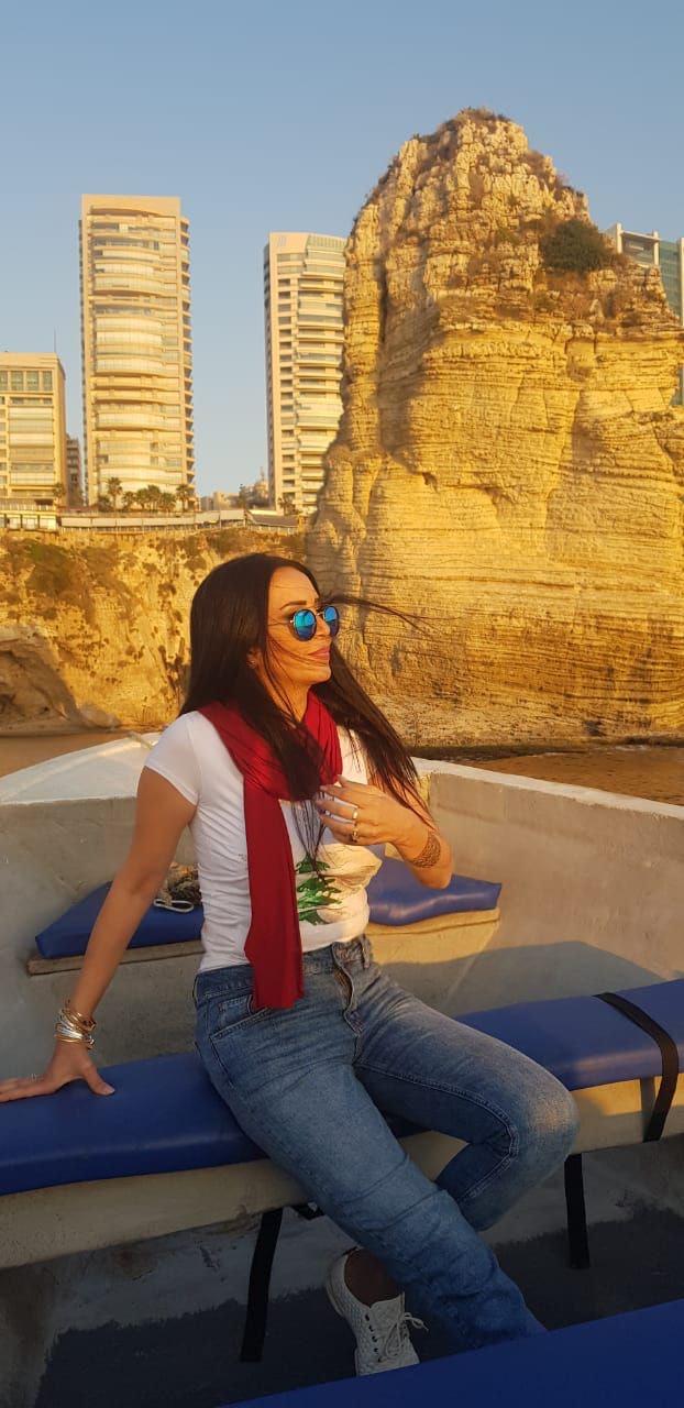 صورة فلسطين تشارك لبنان بعيد استقلاله بصوت سيدر زيتون .. لبنان الغالي